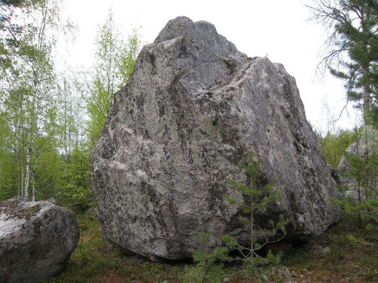 Helmikivi