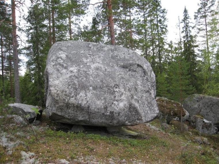 Rämeikkösuon kivet