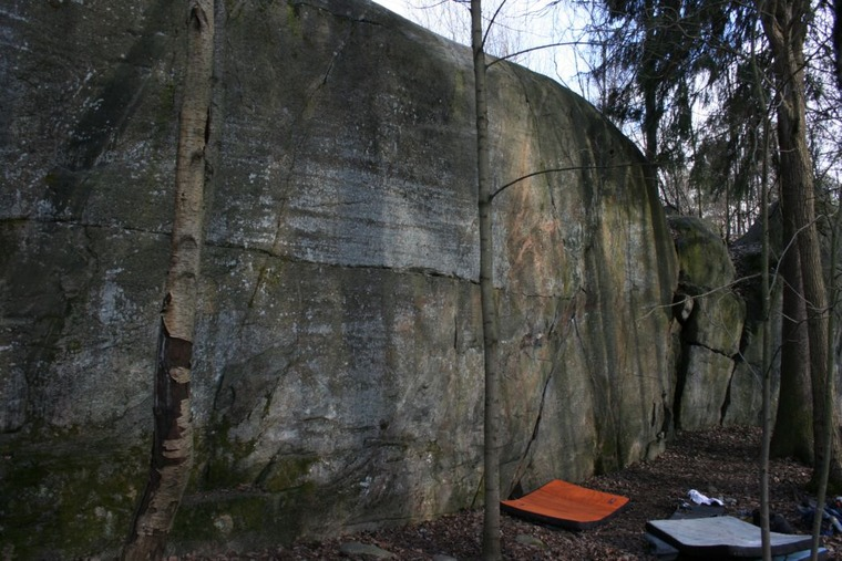 Main wall