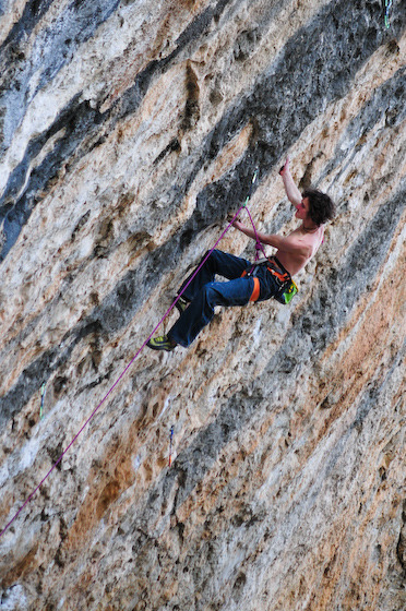 Adam Ondra working 'Shaxi Raxi' at Contrafort de Rumbau, Oliana