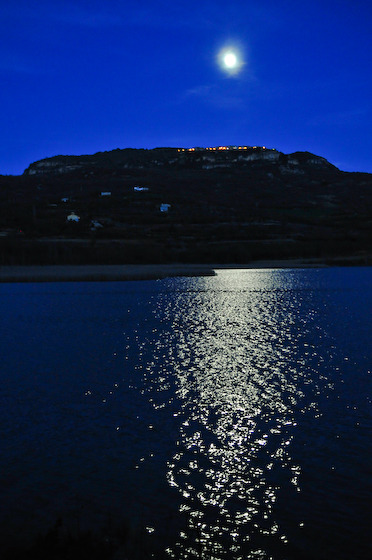Moon over pantano de Terradets