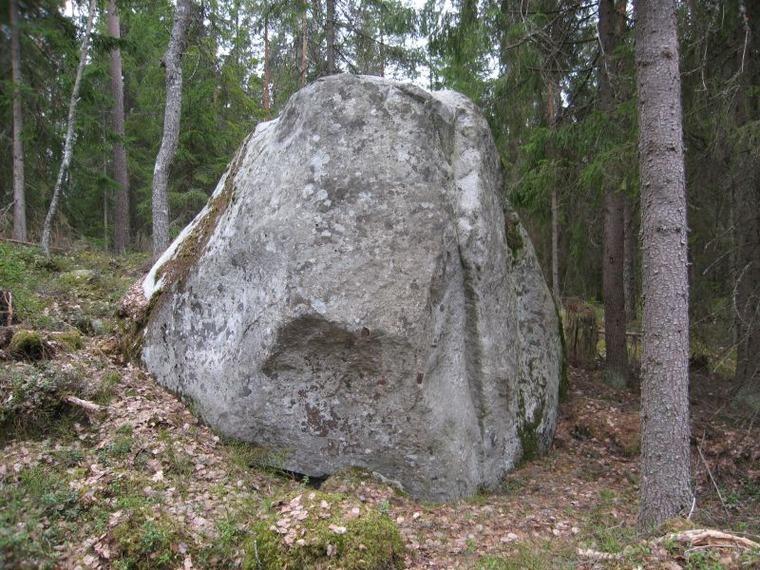 Pinsiön kierros -kivi