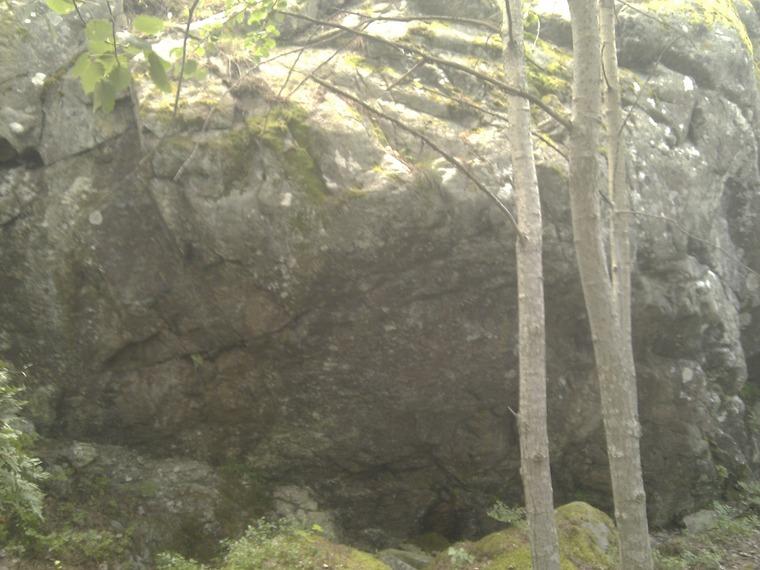 Lilla stenen & Nedre väggen