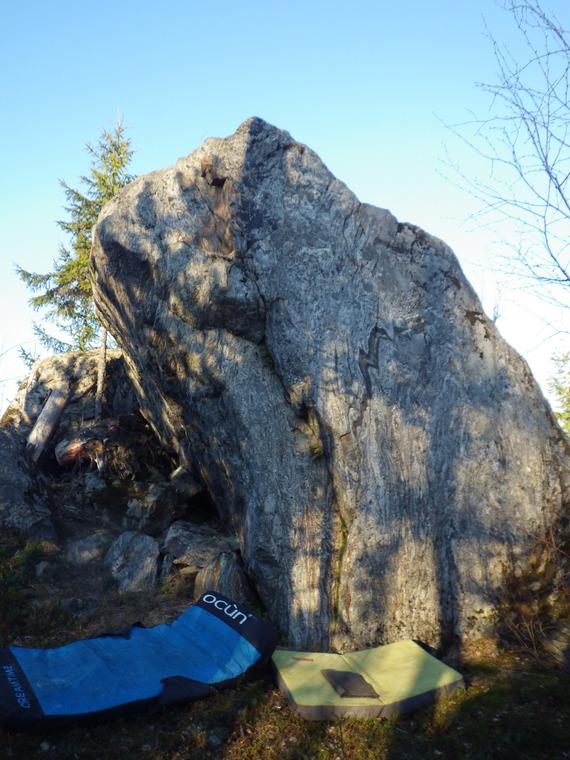 Kukkulinnan kivi