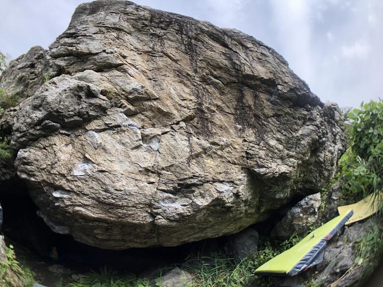 砂箱岩 / sandbox boulder