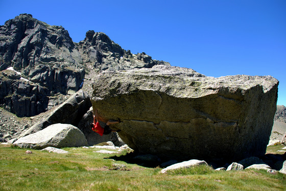 The Best Rock Climbing Destinations and Topos | 27 Crags