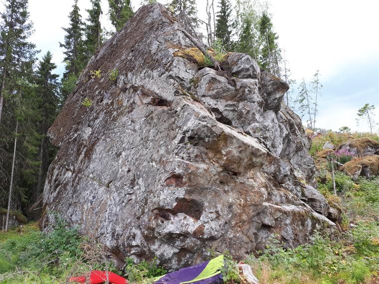 Jättikivi (location published later)
